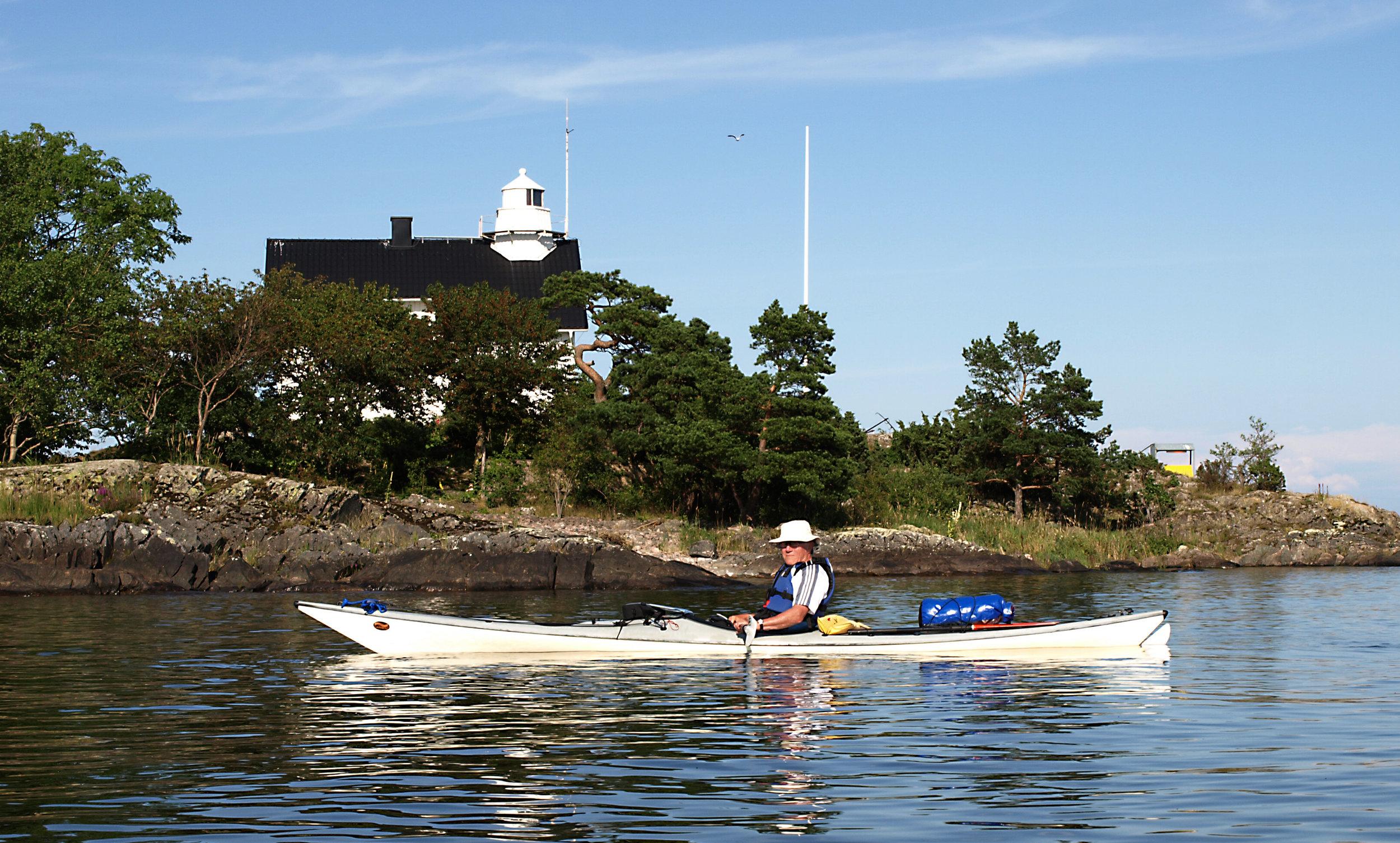 Olle Persson i en av sina nyare kajaker