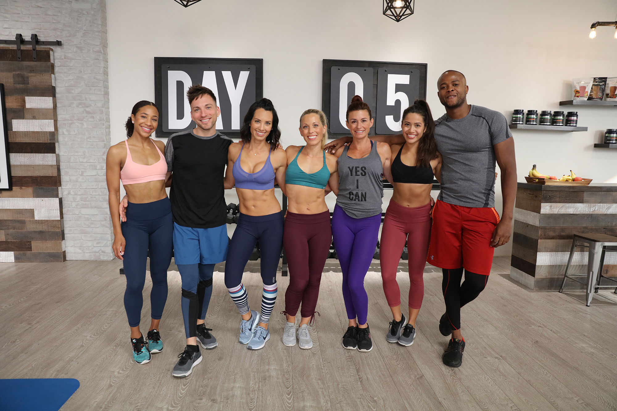 80 Day Obsession Group Photo with Autumn Calabrese and Calie Calabrese.