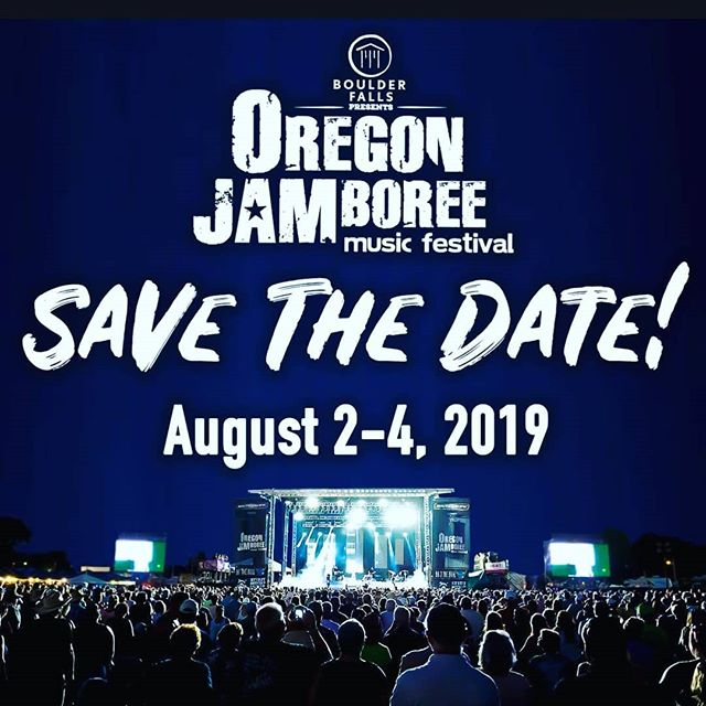 Coladas and Hand-packed Fresh Oregon Berry Milkshakes at Oregon Jamboree August 2-4th!  #fresh #berry #oregon #milkshakes #pineapples #coladas #country #westcoast #Pacificnorthwest #pnw #upperleftusa #musicfestival #food #catering #foodie #foodtruck #handmade #handbuilt #madebyhand