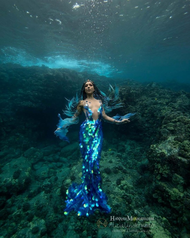 Neptunian Gown
