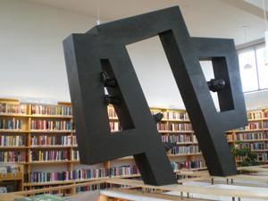 """Hans Pauli Olsen: """"Natúrligvís"""". Skulptur, 2007"""