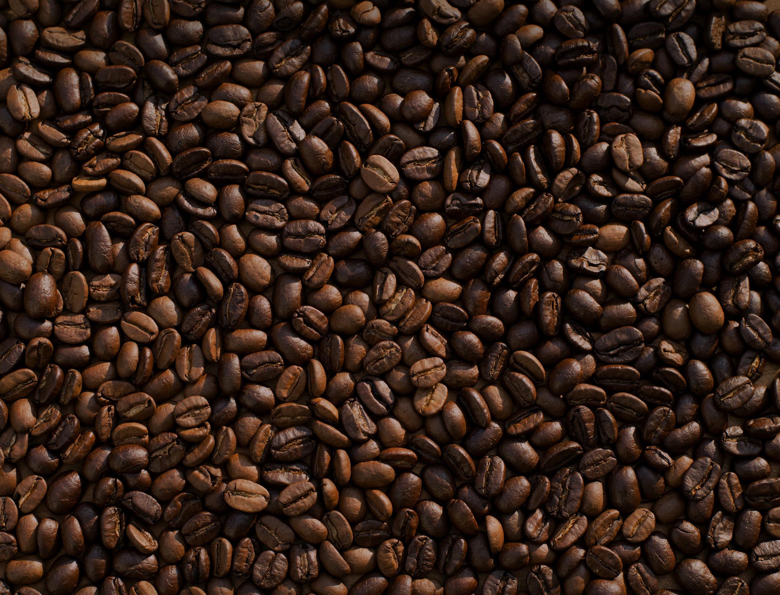 ESSENCE DE CAFÉ - Nom botanique : CoffeaRégions productrices : Ethiopie, Brésil, Colombie, Côte d'IvoireFamille Olfactive : Fleurie, FougèreAdjectifs: médicamenteux, rosé, menthéNote de cœur