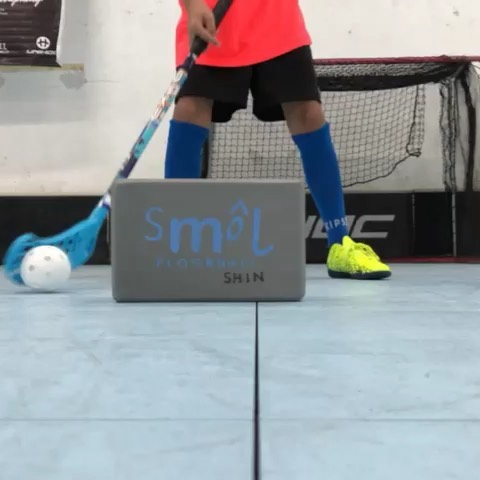 Cos' all good things need a strong foundation. - - - Perfecting the basics and strengthening our core in our fun SMOL ways! - - - #smolteambighearts #smolfloorball #singapore #sgfloorball #floorball #funsports #kidsports #exel #unihoc #jadberg #zone #iff #coreworkout