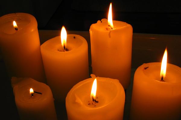 prayer_candles.jpg