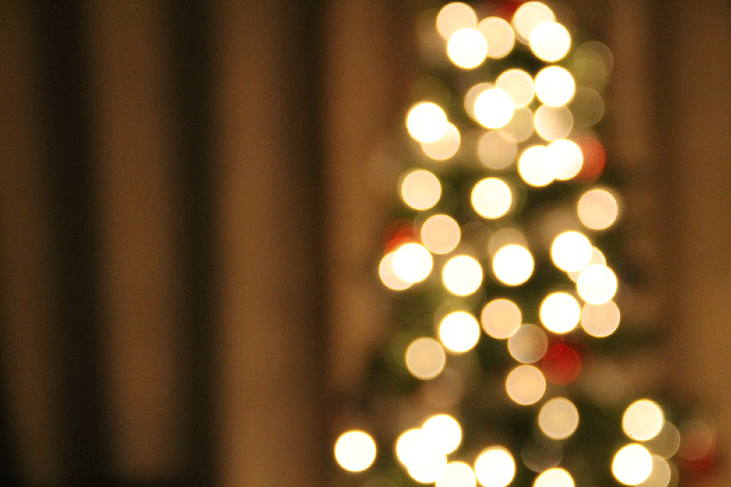 christmas-tree-bokeh-lights.jpg