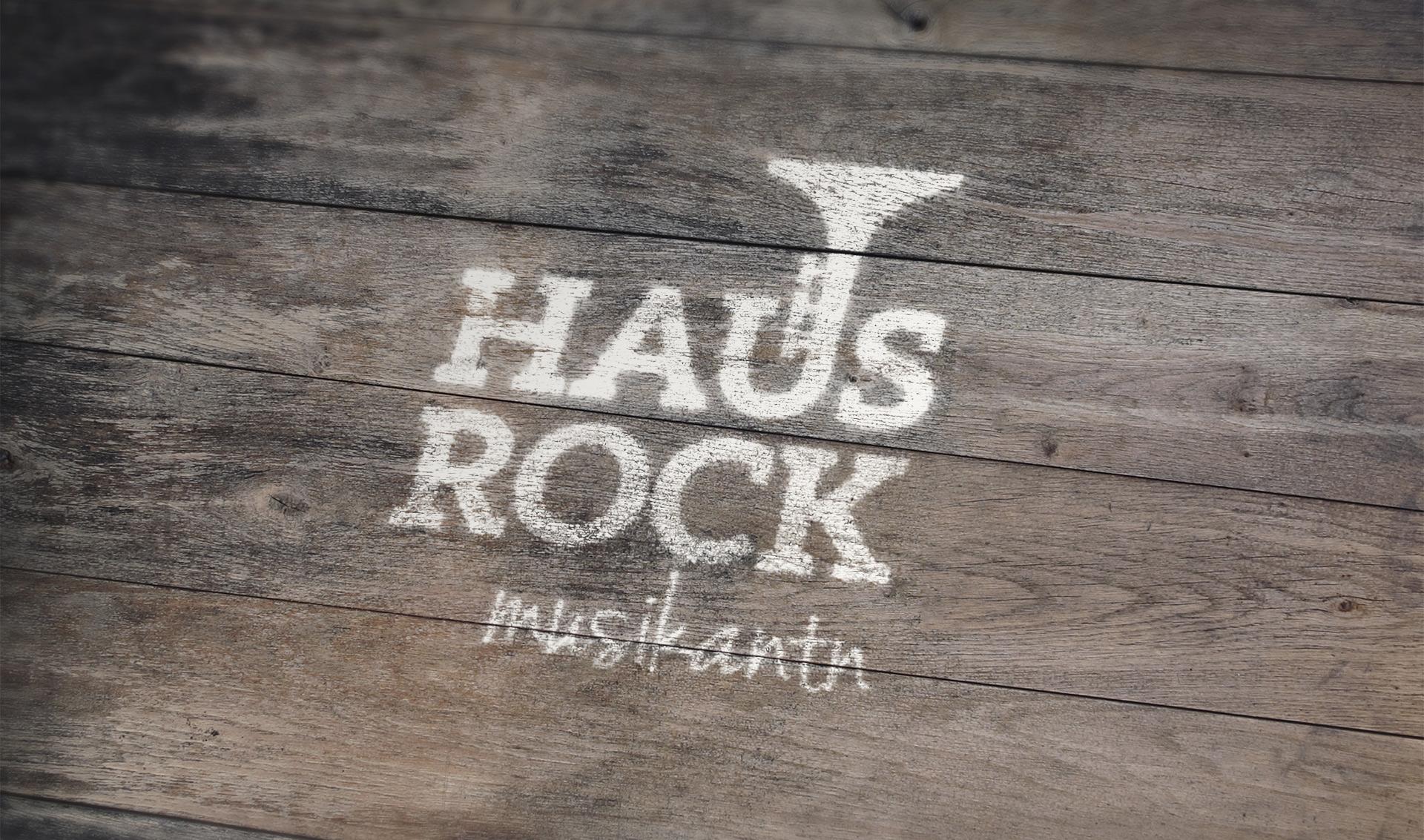 hausrock_paintedwood.jpg