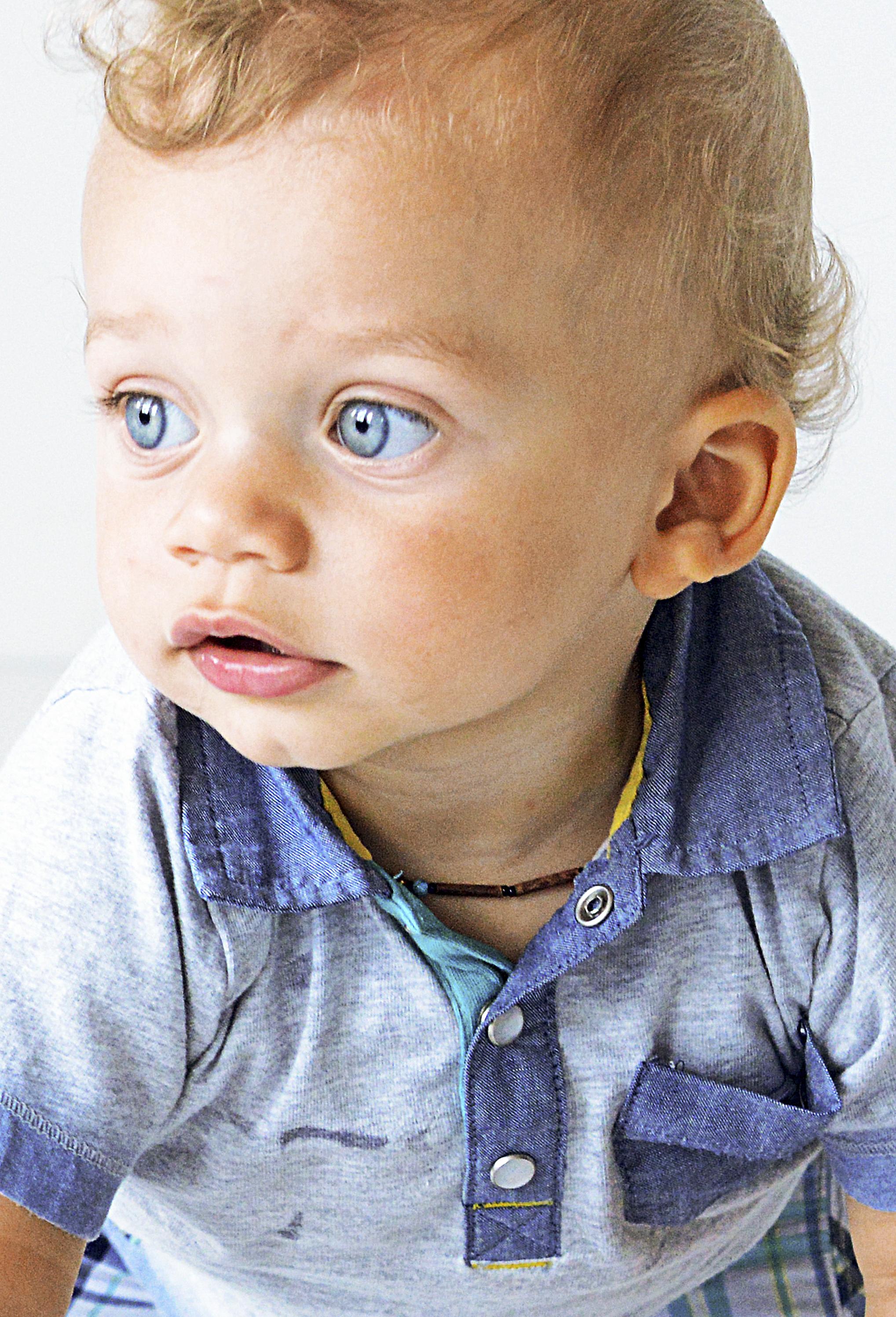 SÉANCE PHOTO BÉBÉ / NOUVEAU-NÉ - Que ce soit pour capter les premiers jours de naissance de bébé ou pour capturer l'évolution de votre enfant, nous déploierons tous nos efforts pour faire ressortir son plus beau sourire.À partir de 200.00$ pour séance de 45 minutes.35$ / retouche additionnelle.