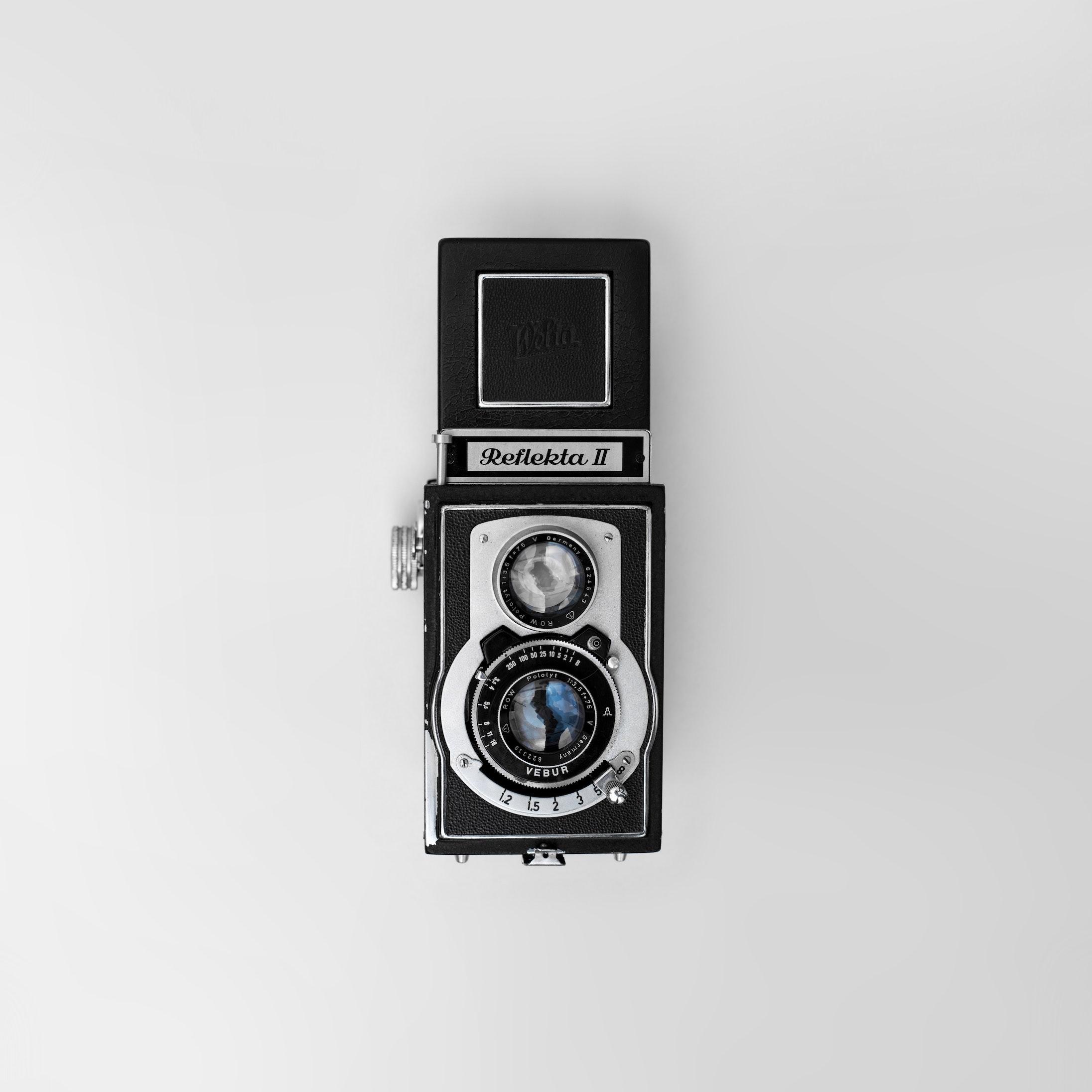 analog-antique-camera-821653.jpg copie.jpg