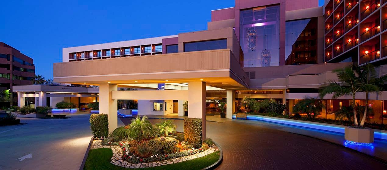 HH_hotelexteriorvw01_2_1270x560_FitToBoxSmallDimension_Center.jpg