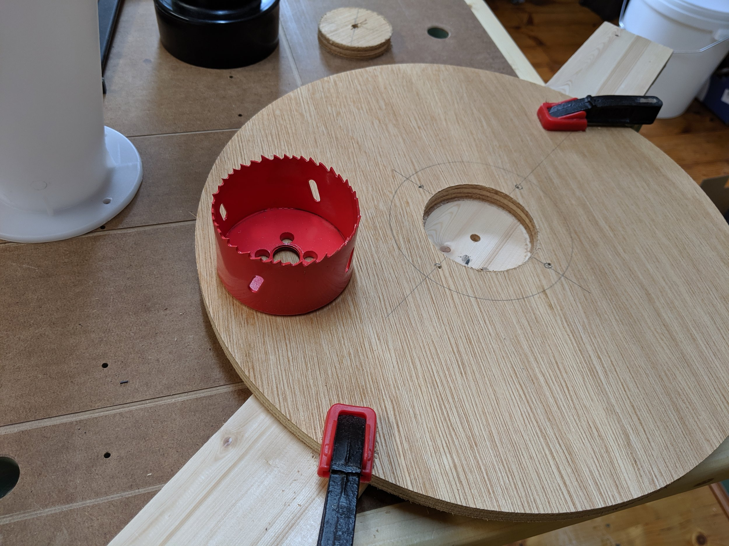 Hand held hole saw worked