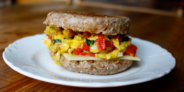 Mozzarella-and-Egg-White-Breakfast-Sandwich-Header_lrgkde