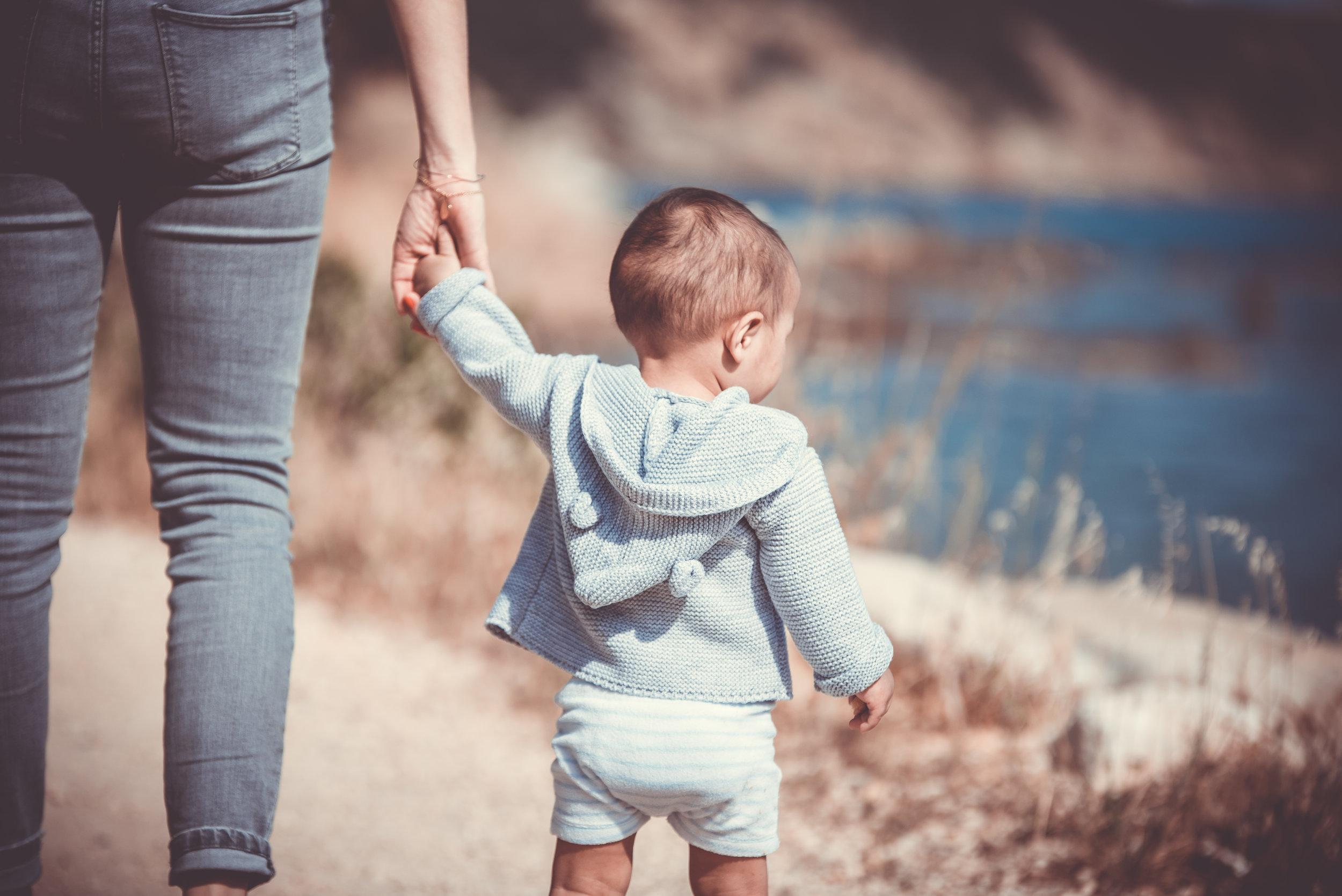 Los niños pequeño deben permanecer acompañados en todo momento.