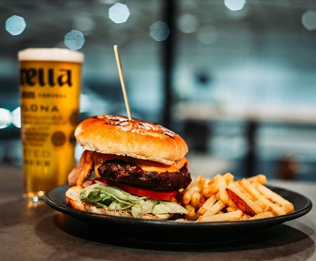 No April fooling around! Get yourself a Burger and Beer for £10 during Happy Hour! 6-9 Daily. @owenpetersphotography @chef.si.haywood @graystoneactionsports