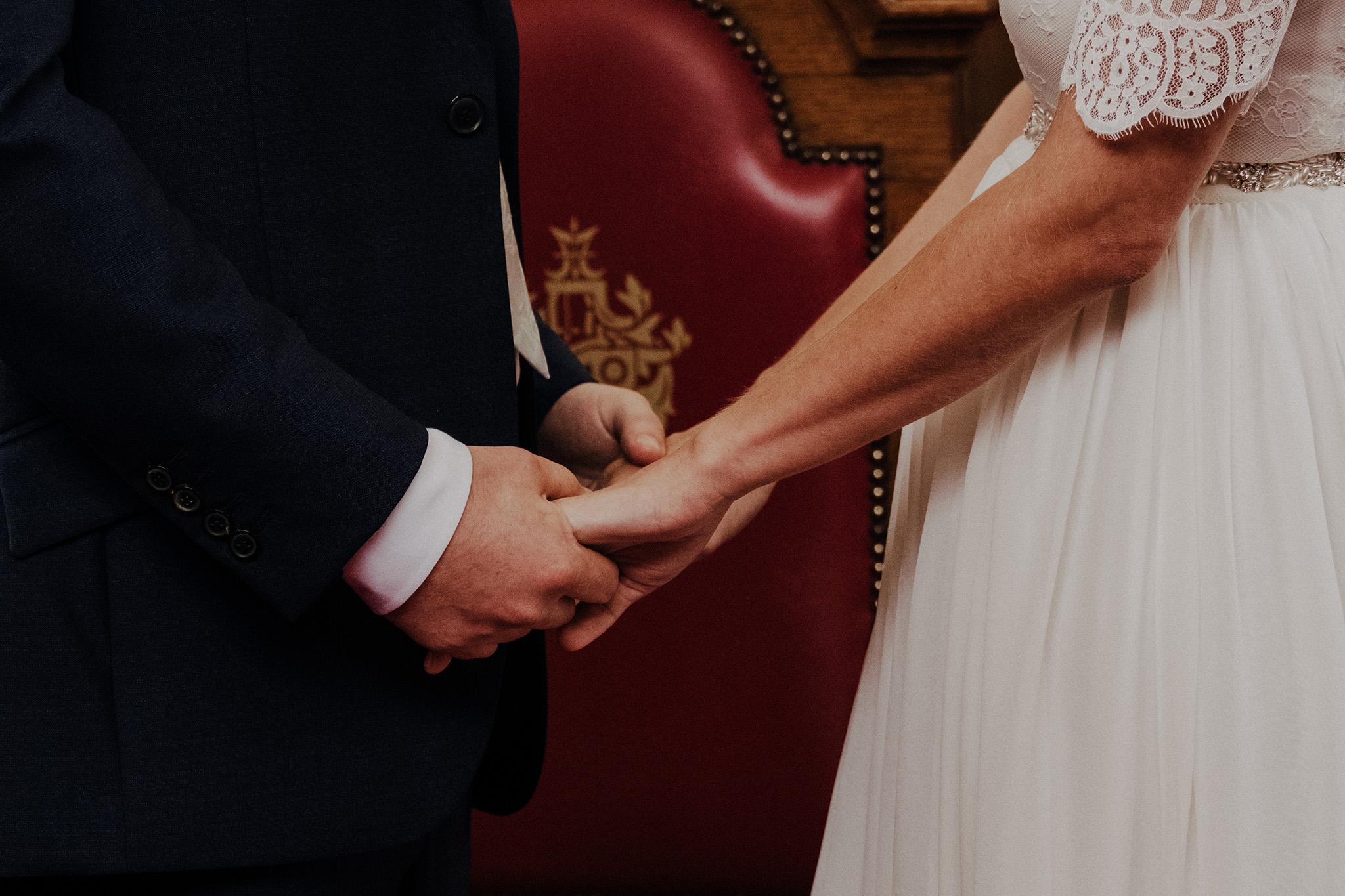 Islington-town-hall-wedding34.jpg