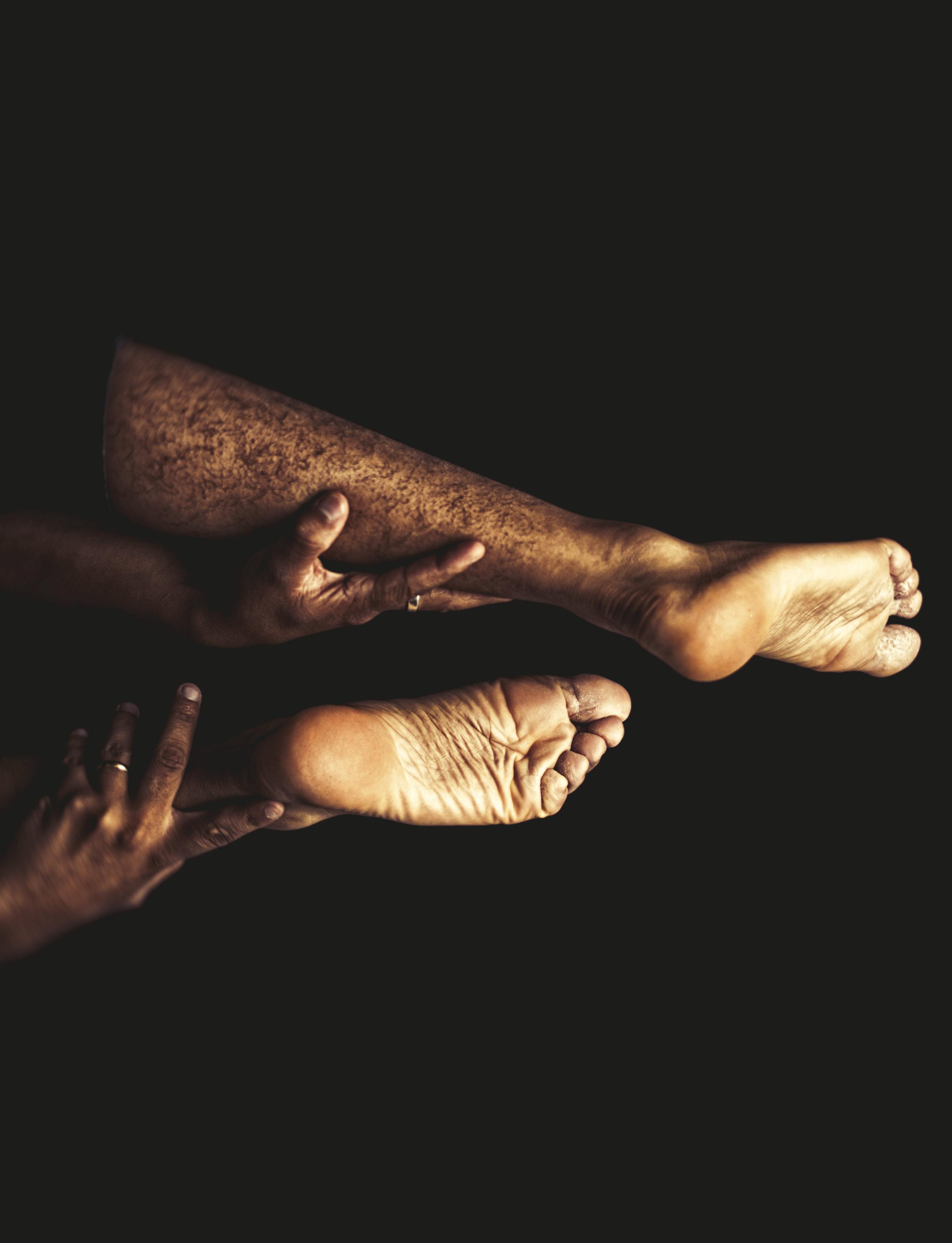 feet-1842328_1920.jpg