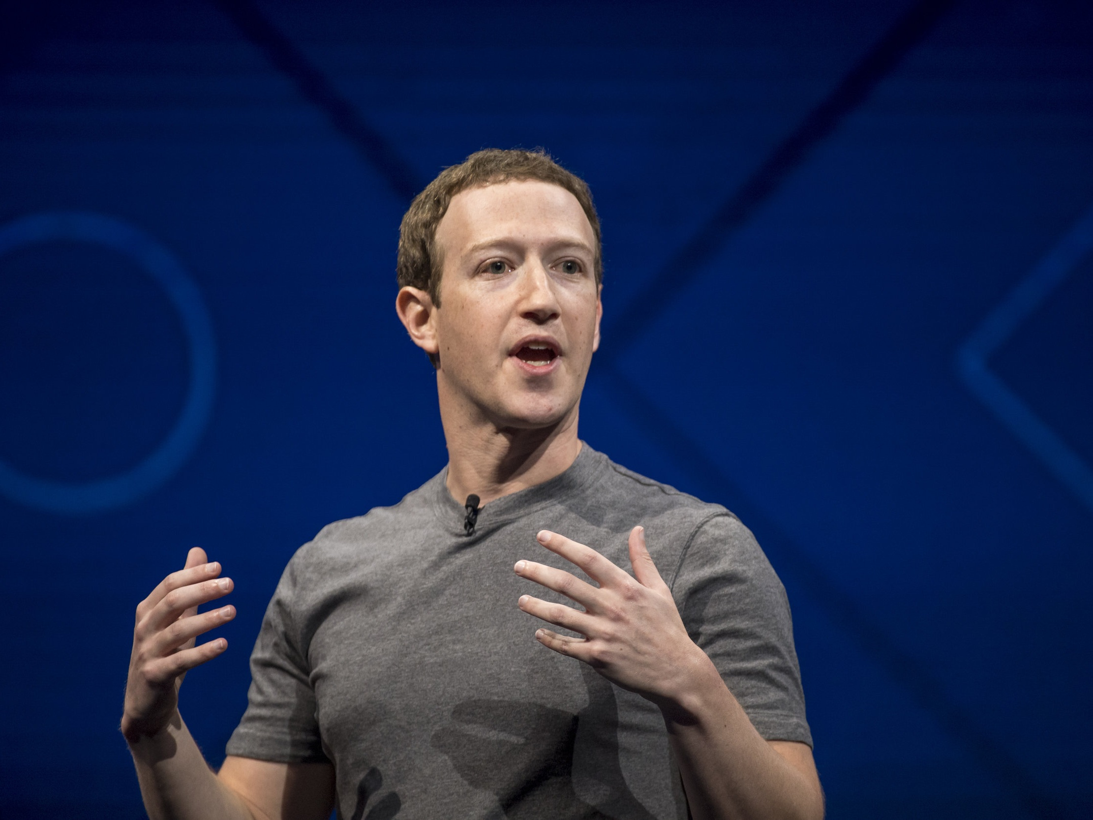 Replicas of Mark Zuckerberg's T-Shirt - FORTUNE | August 4, 2017Zuckerberg's shirts are not just any plain gray t-shirts. But a 26-year-old Austrian fashion entrepreneur is looking to change that.