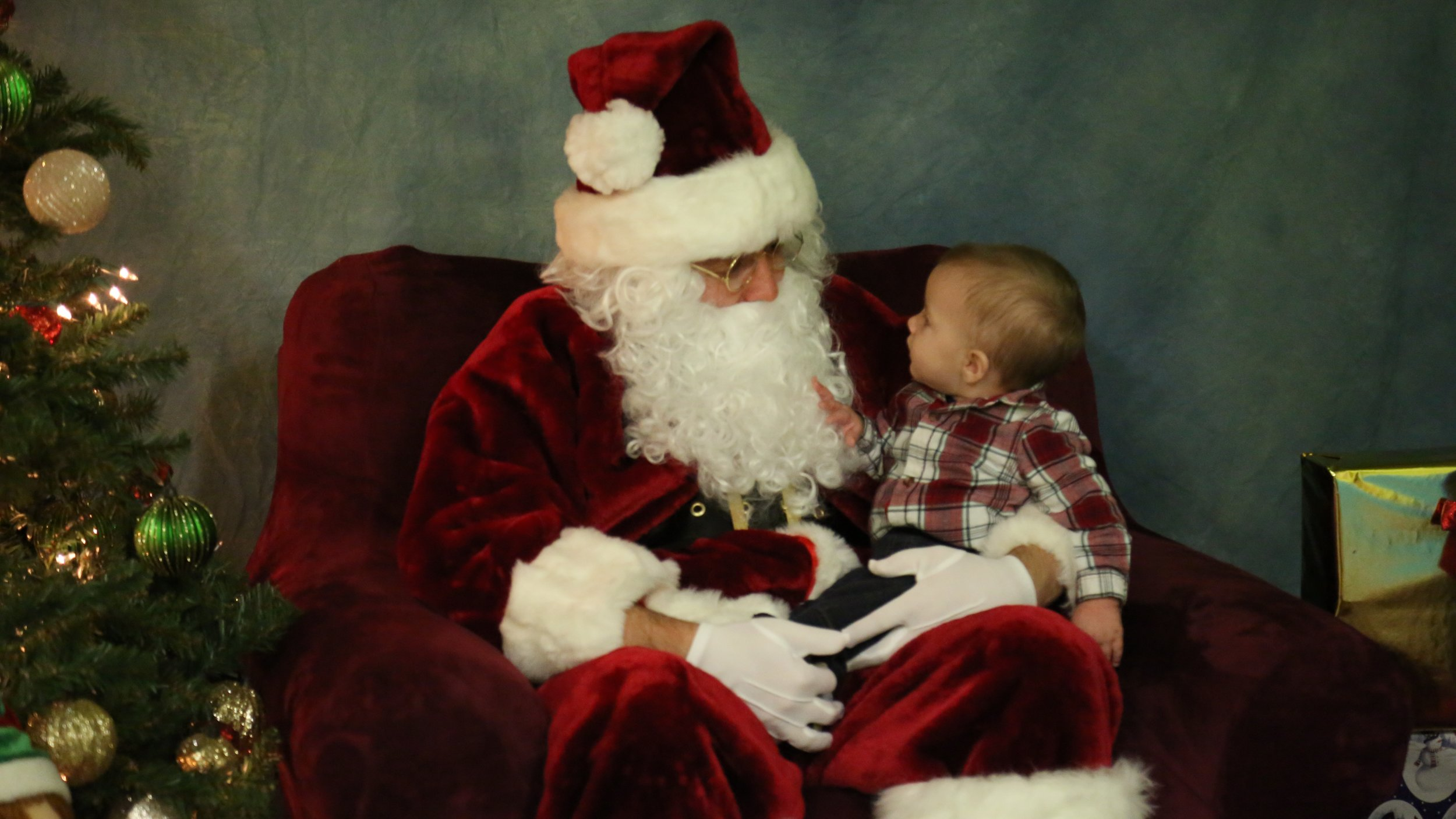 Personal visit with Santa makes a great photo op, so bring your camera and snap some shots!