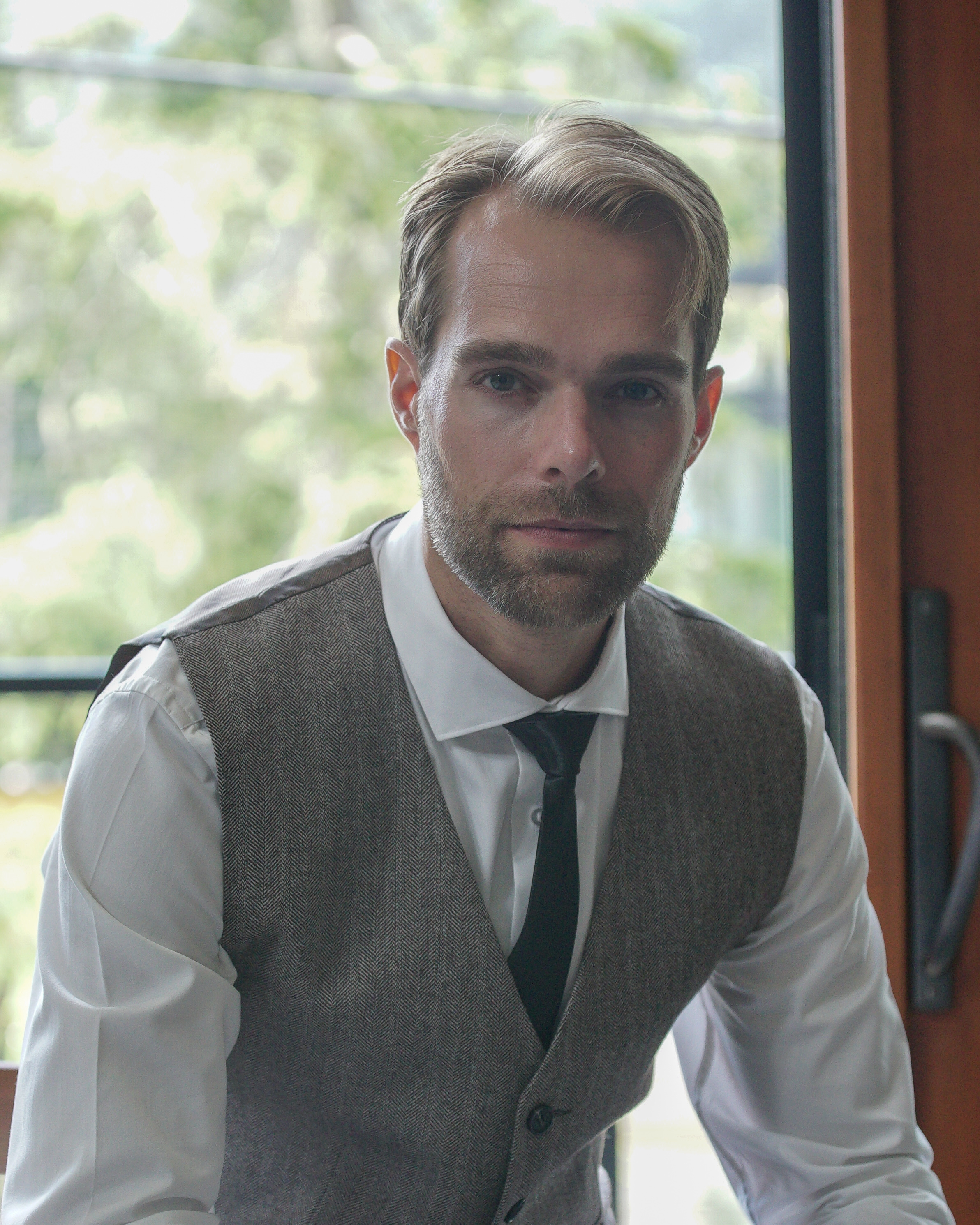 Edward Dangerfield - Edward is trained in:Nervous system health,Chinese massage & pressure points,Breathwork,Nerve flossing,Qi gong,Biofield energy healing,Yoga andMeditation.He constantly studies modern approaches to anatomy, physiology, neuroscience and developmental patterns