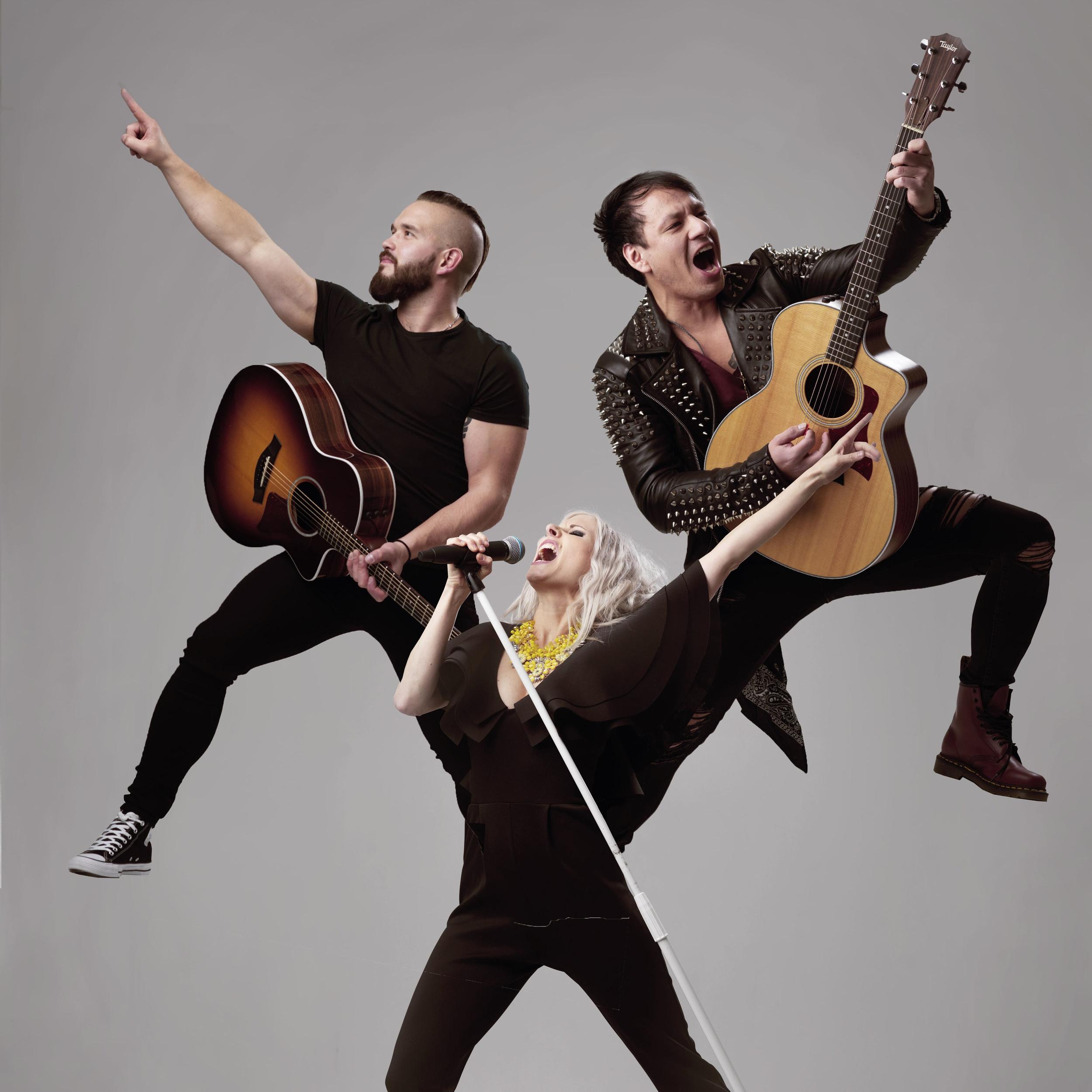 LIVE-MUSIK - Iförd full rockmundering bjuder det akustiska partybandet Demoll Hybrid på 80talets allra största hårdrocks-klassiker!