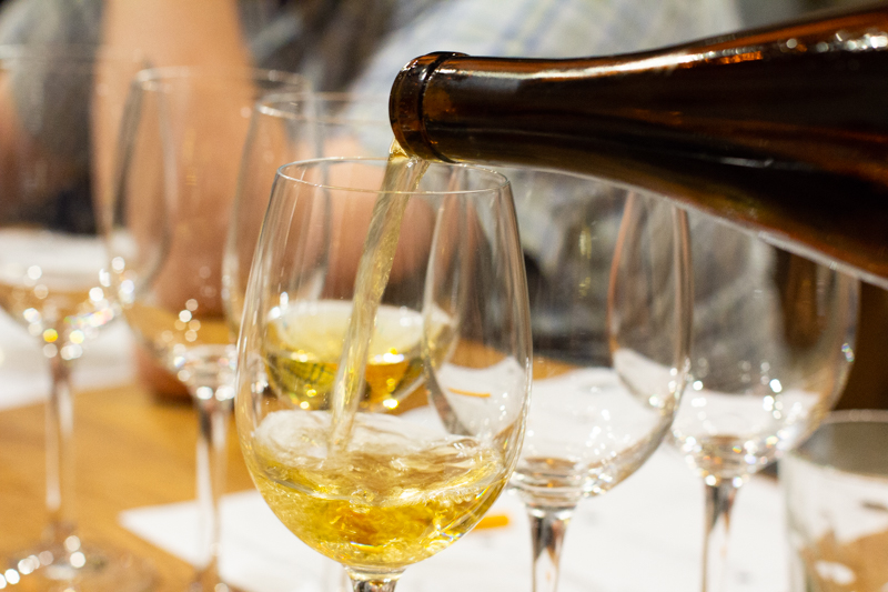 Cider pouring-5520.jpg