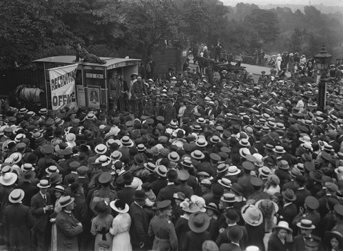 WWI recruiting office at Hampstead Heath, 1910