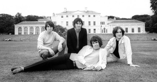 The_Kinks-1968-cred_BarrieWentzell-600x315.jpg