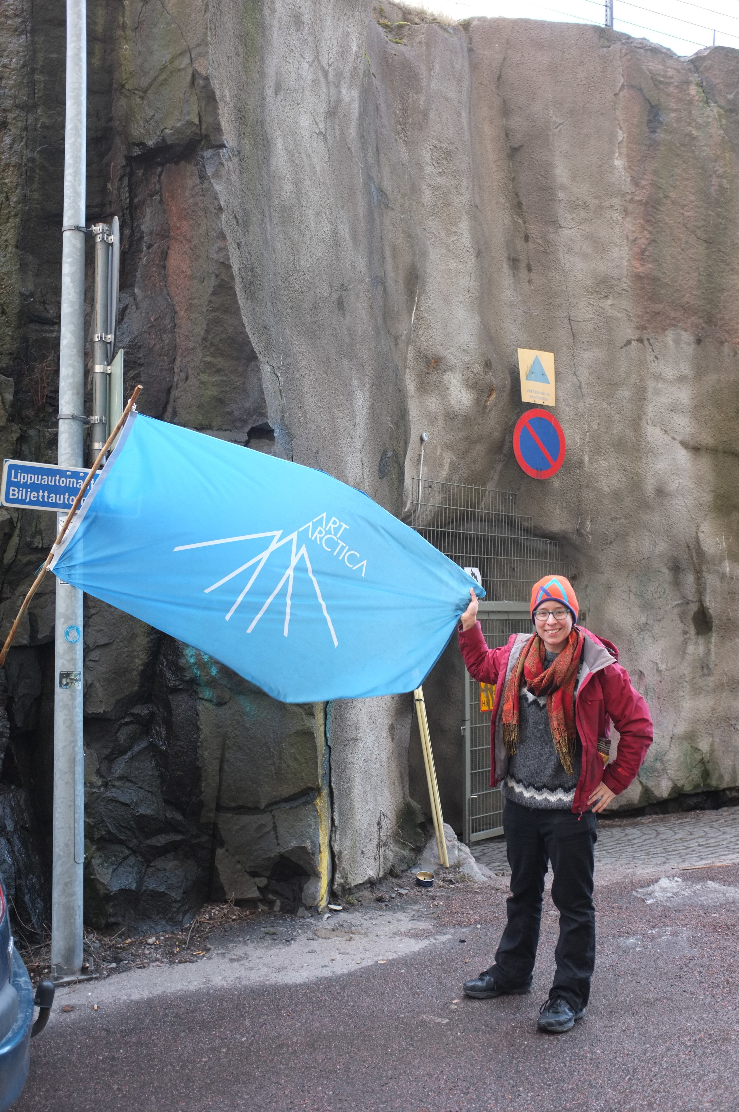 Helsinki - Vapaan Taian Tilla Flag and Carmen.JPG