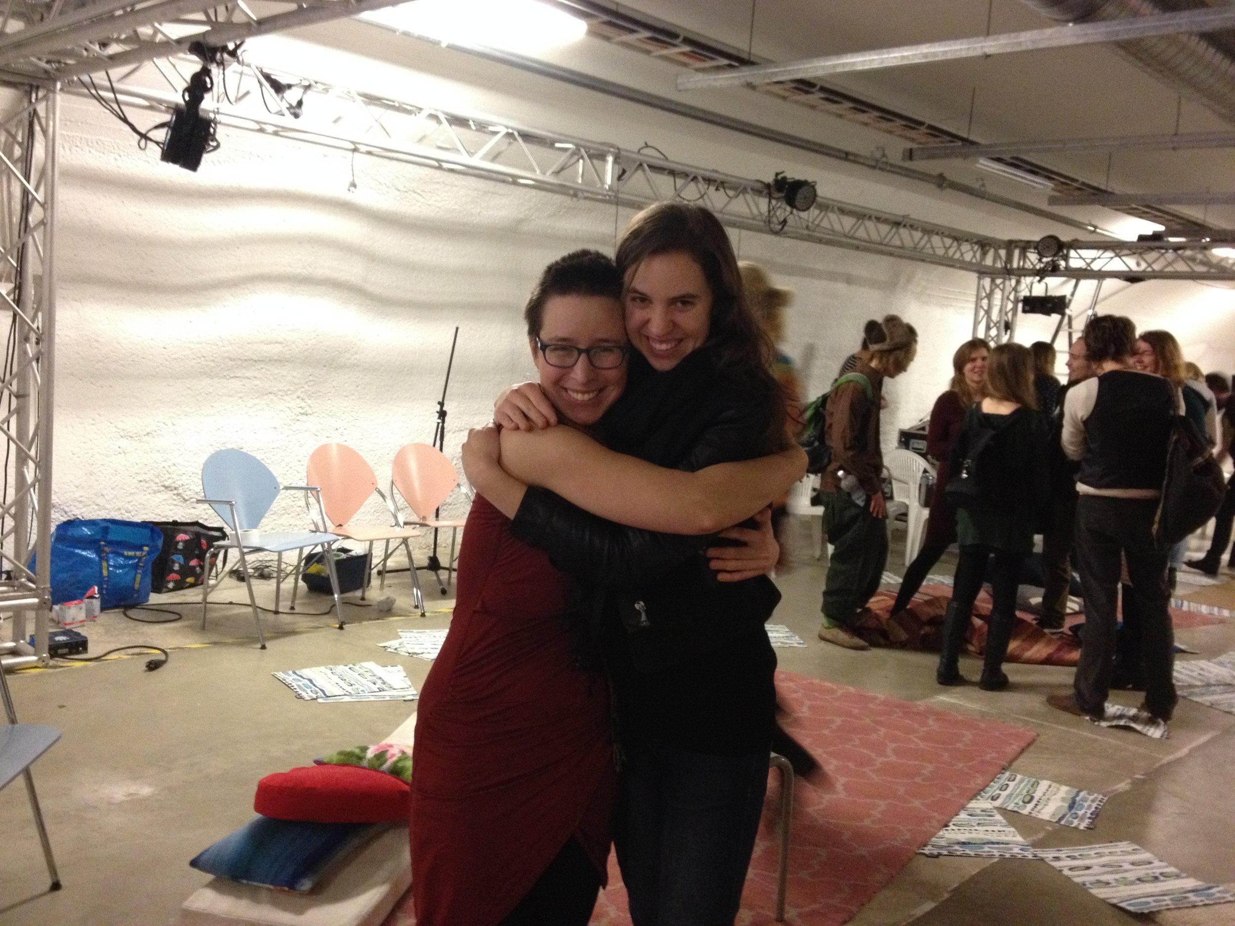 Helsinki - Vapaan Taitan Tilla - Carmen and Alicia.JPG
