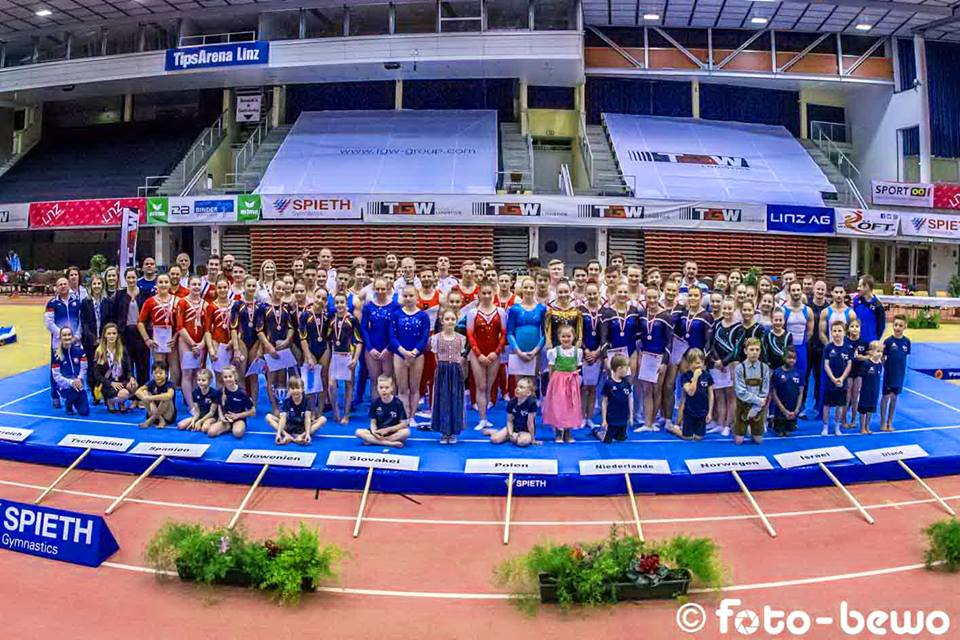 The competitors at the 2019 Austrian Team Open take a group photo in Linz. All photos © ÖFT / Robert Labner