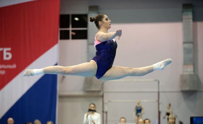 Aliya Mustafina. Photo: Elena Mikhailovna/SportGymRus.ru.