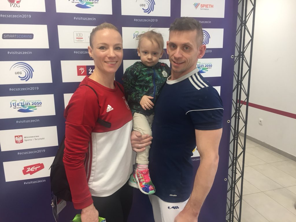 Olympians Marta Pihan Kulesza and Roman Kulesza with daughter Jagna following men's podium training at the 2019 Euros.
