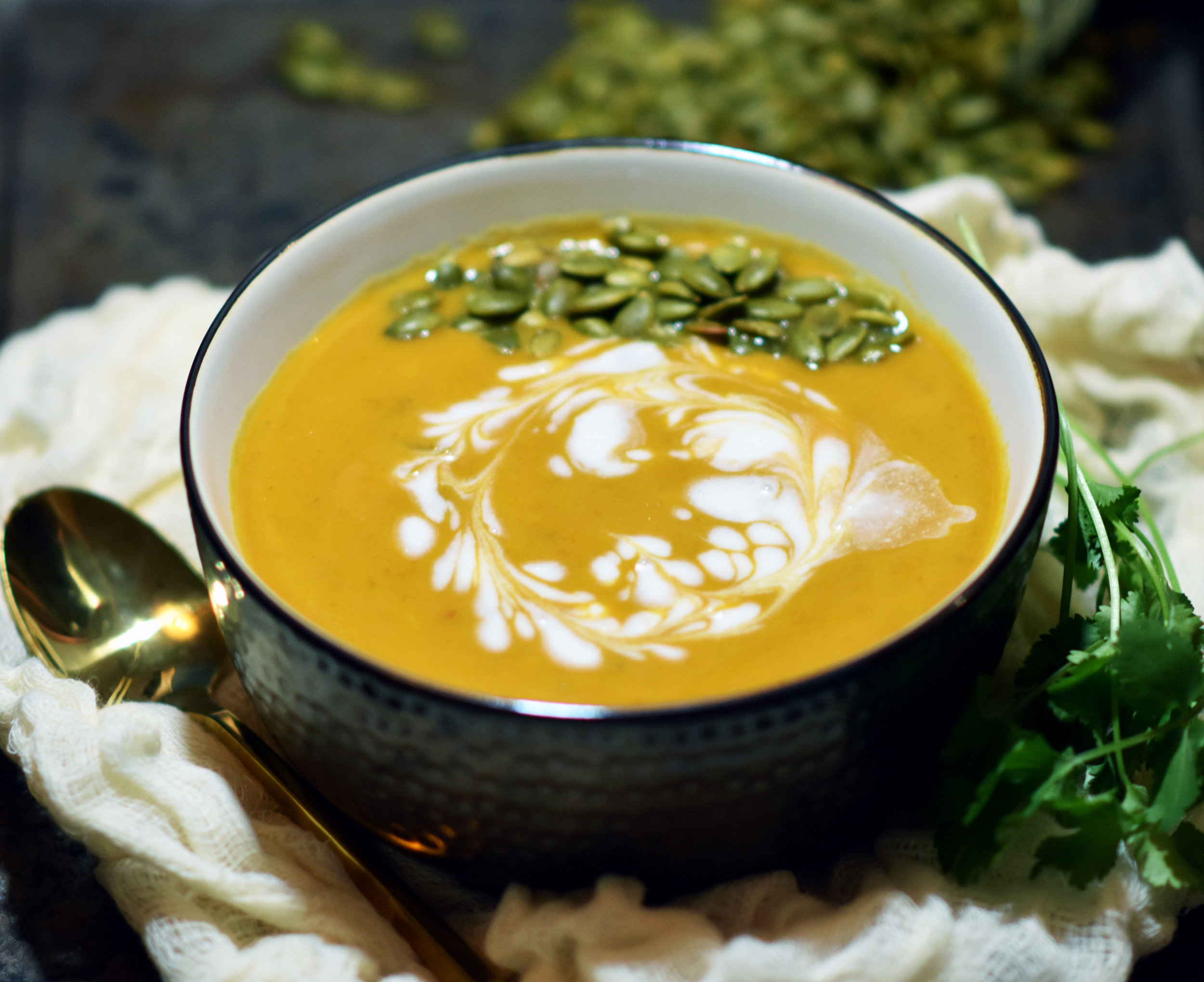 vegan pumpkin curry soup with curried pumpkin seeds - because pumpkin and because curry