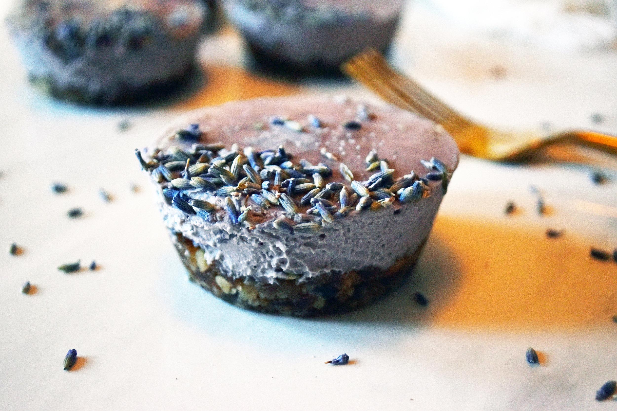 vegan lavender cheesecakes - because fancy is fun