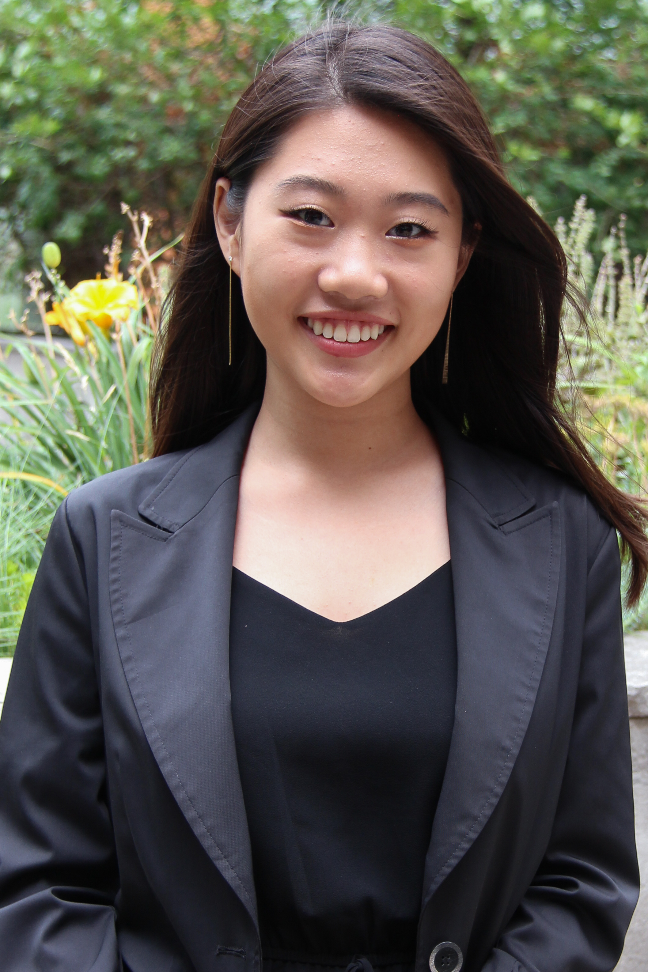 Abby Chong   Director of Graphics