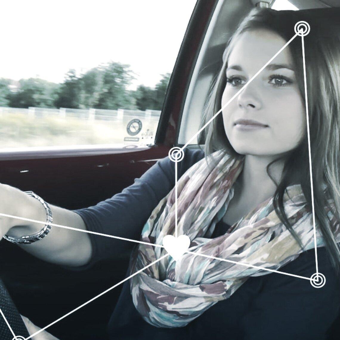 tech-monitoring-sys@2x.jpg