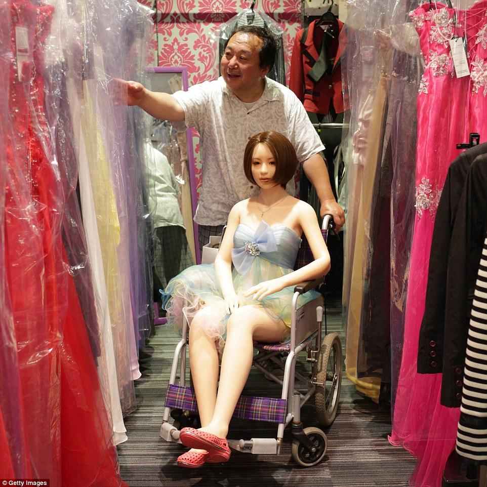 35B5DAE900000578-3661804-Japanese_businessman_Senji_Nakajima_says_that_he_has_finally_fou-m-12_1467019360555.jpg