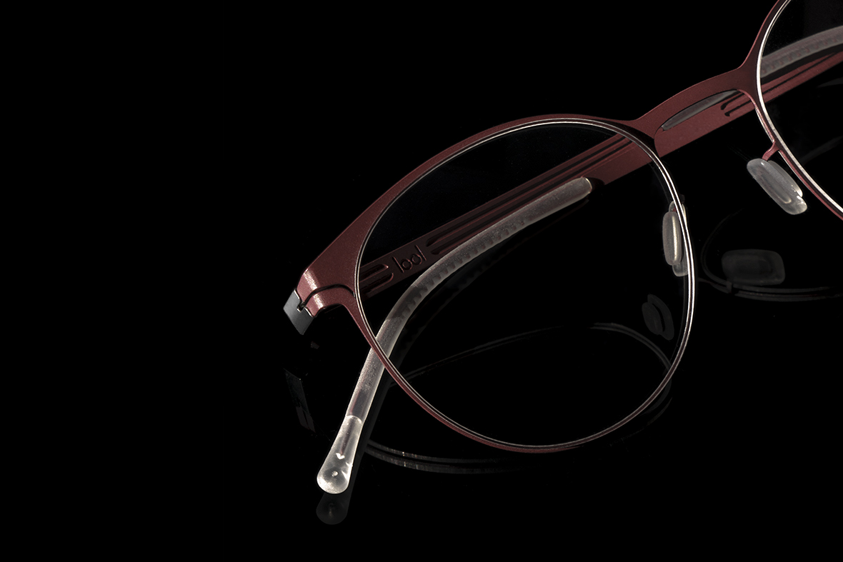 ERGONOMICS AND QUALITYDetails for quality eyewear - Our temple tips are fabricated from hypoallergenic, biodegradable silicon, in order to avoid reactions with the skin.