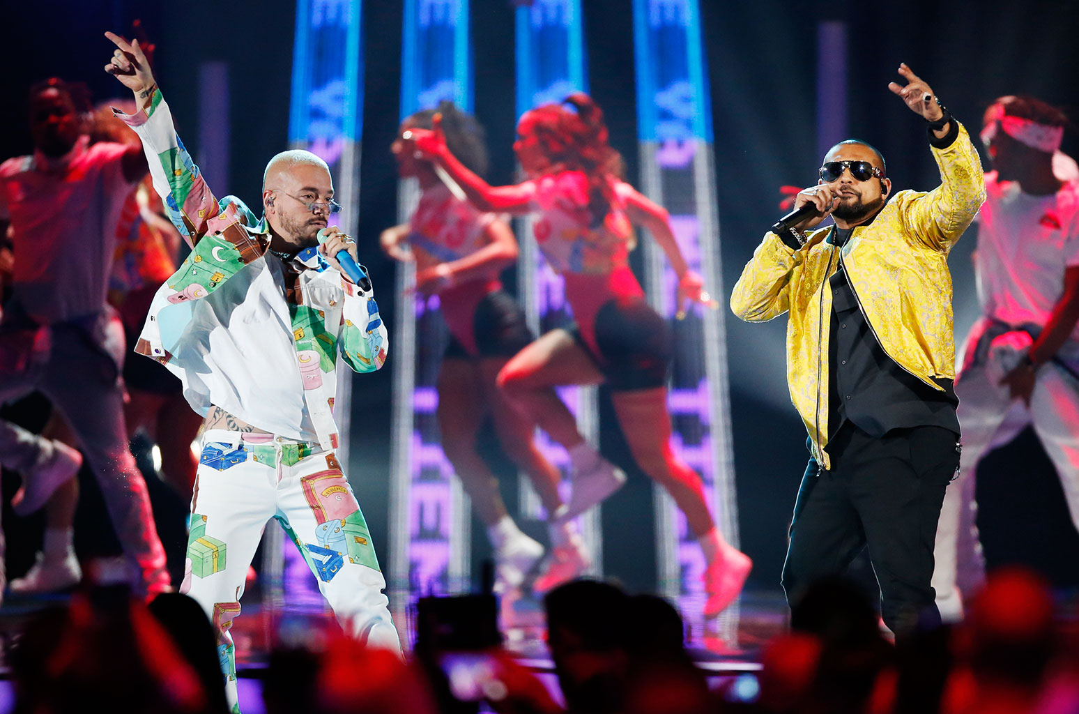j-balvin-lool_eyewear_vega_sean-paul-billboard-latin-music-awards-show-2019-billboard-1548.jpg