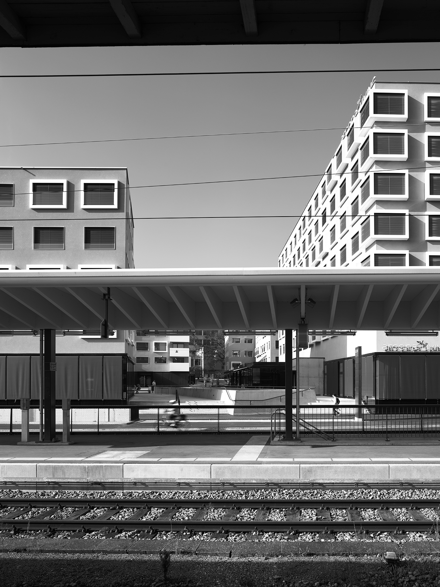 Bild Überblick und Bilder 1, 2, 3, 6: Hannes Henz / Bild 4: David Heitz Plan: Pfister Schiess Tropeano