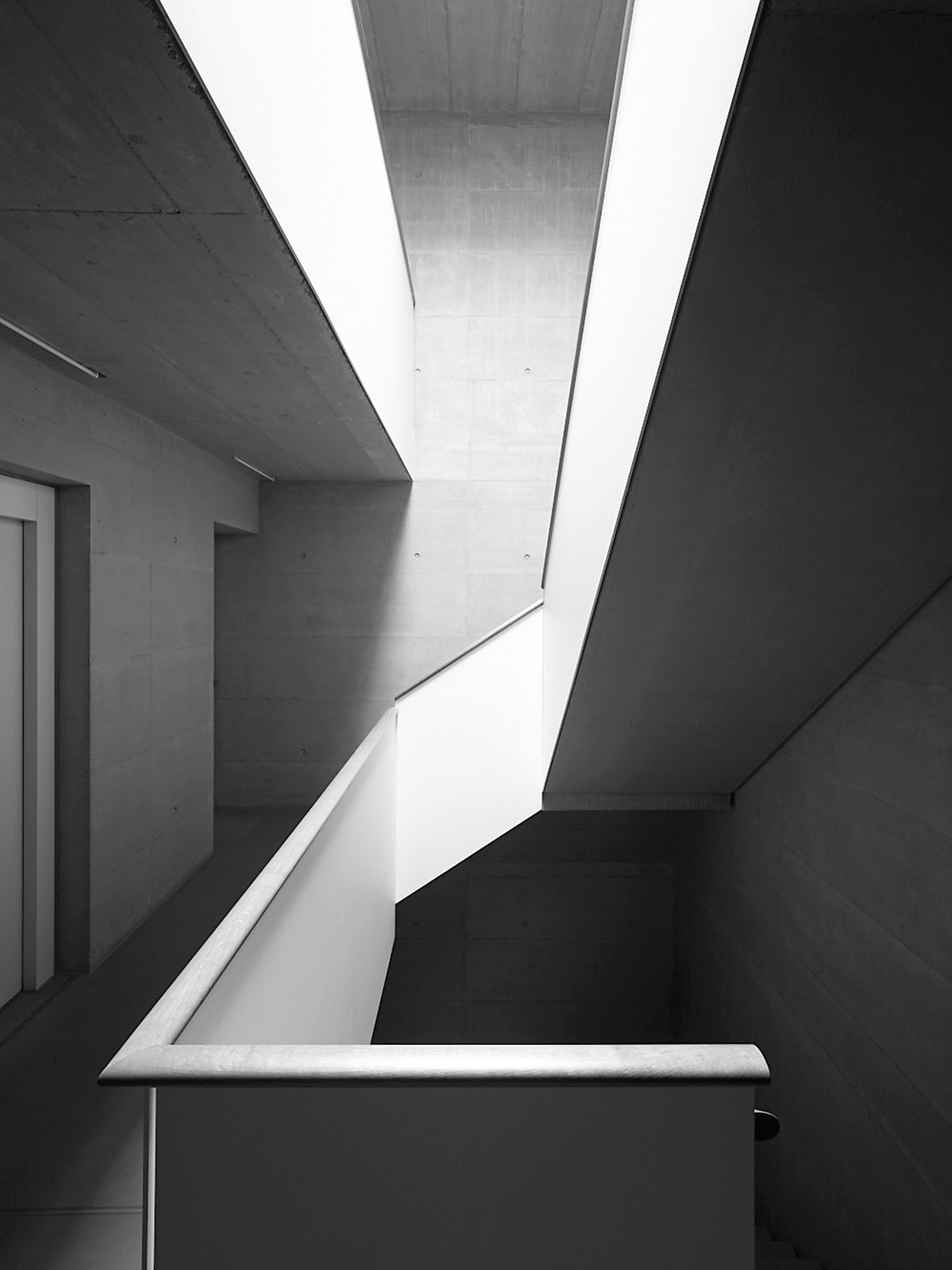 Bilder: Hannes Henz; Plan: Pfister Schiess Tropeano