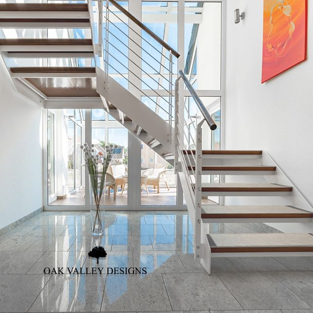 We know exactly how to amplify the aesthetic of any room you have stairs in. Oak Valley treads tie everything together to your personal style.