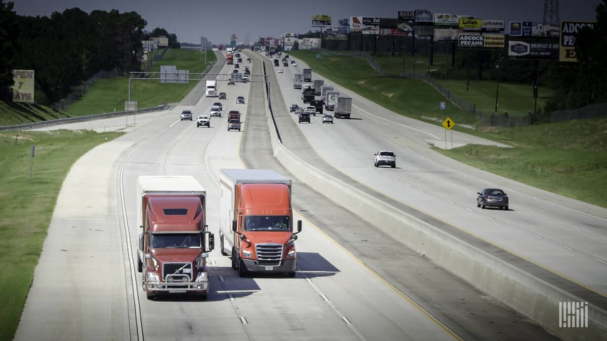 Light highway traffic and few bottlenecks are allowing truck drivers to move freight faster. (Photo: Jim Allen/FreightWaves)