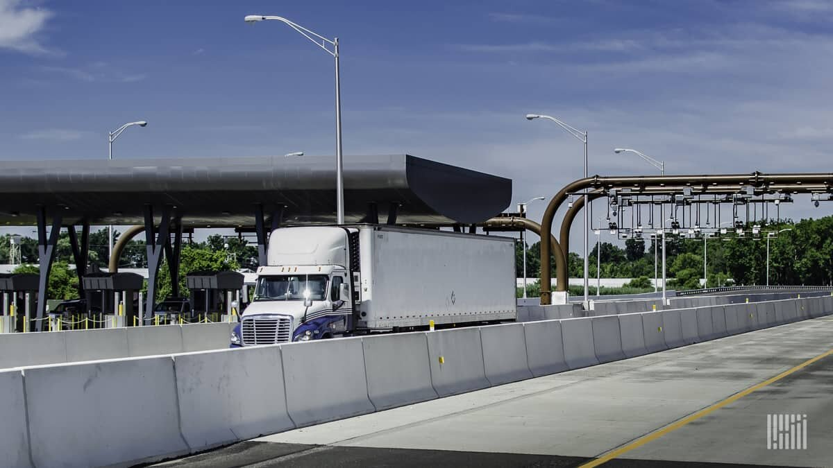 Toll authorities from coast to coast have suspended cash payments to limit the spread of the coronavirus between toll collectors and drivers. (Photo: Jim Allen/FreightWaves)