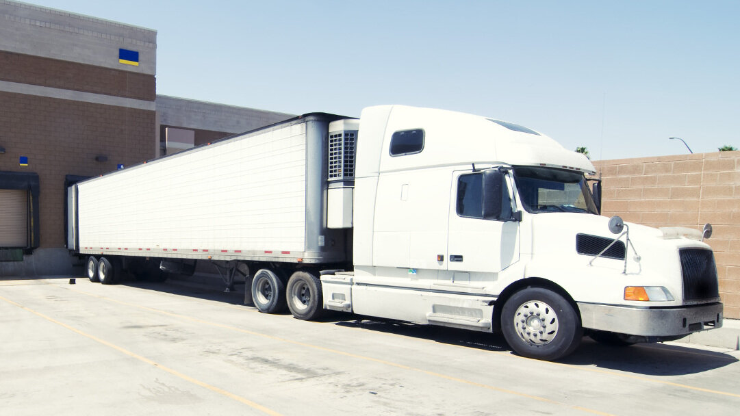 Many states have issued rules allowing carriers to haul more than 80,000 pounds, allowing critical food supplies to keep moving. (Photo: Shutterstock)