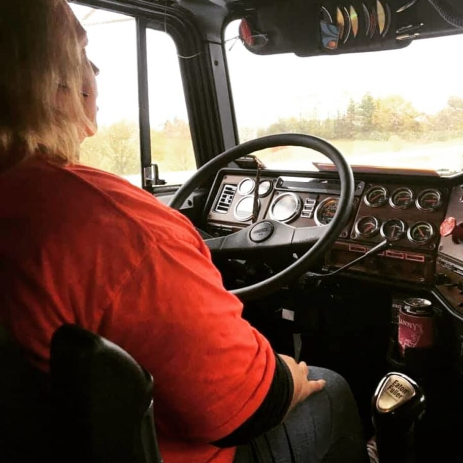 Shelli Conaway-Waugh coordinates disaster relief efforts from the cab of her truck. (Photo: Trucks with Room to Spare)