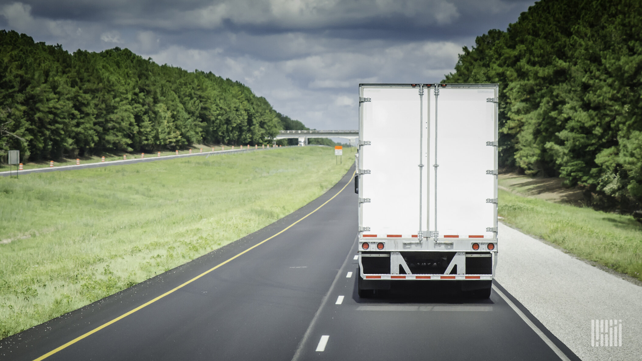 After a couple of months of improving data points, positive commentary from management and analysts raising their earnings expectations, the third-quarter earnings season kicks off later this week. (Photo: JIm Allen/FreightWaves)