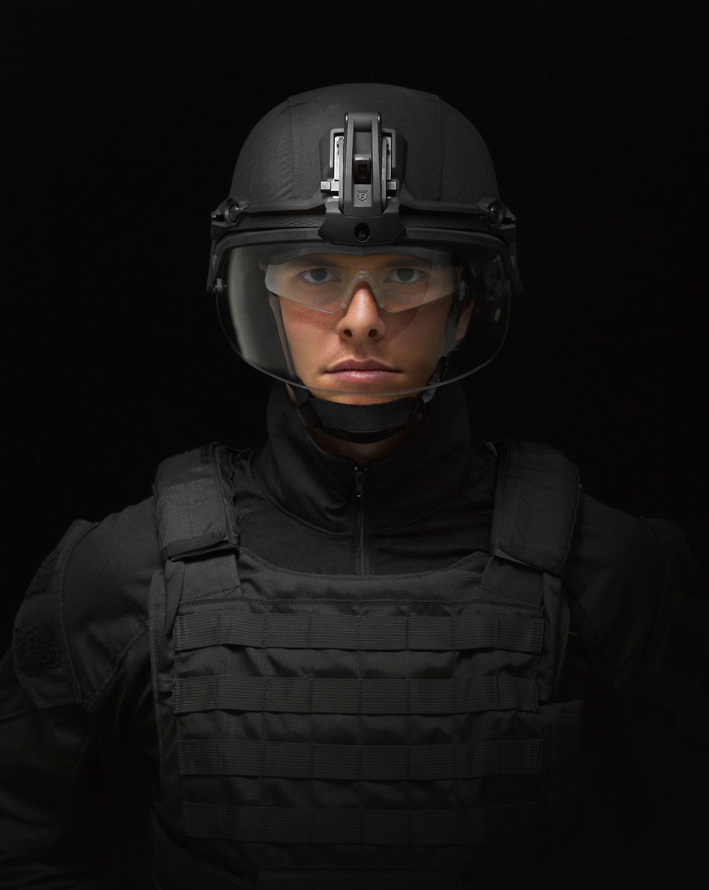 REV1462_SWAT_Visor_Front_3_L_1.jpg