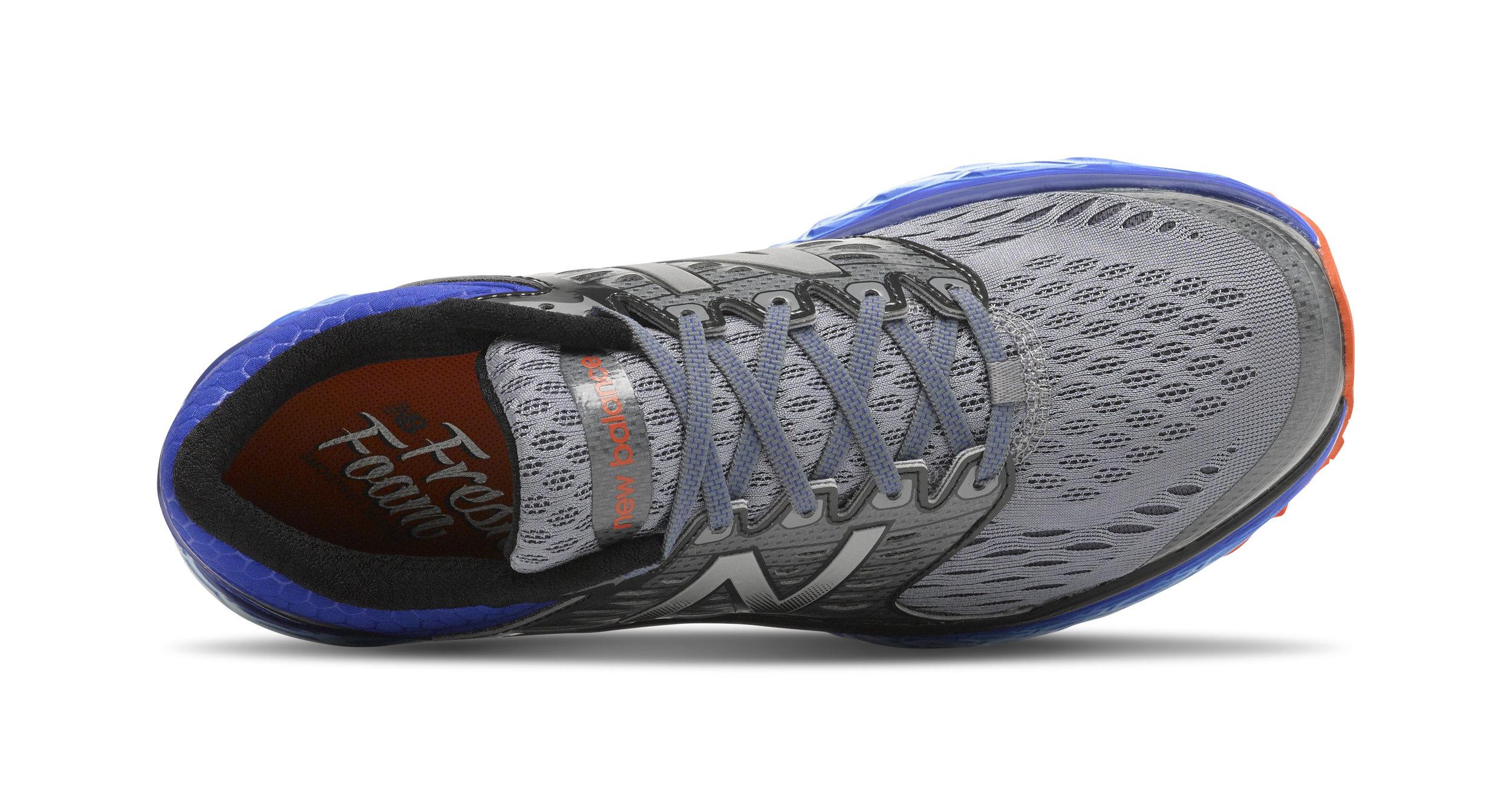 0047_fresh-foam-1080_M1080-V6_M-10.5_SILVER-BLUE_Top.jpg