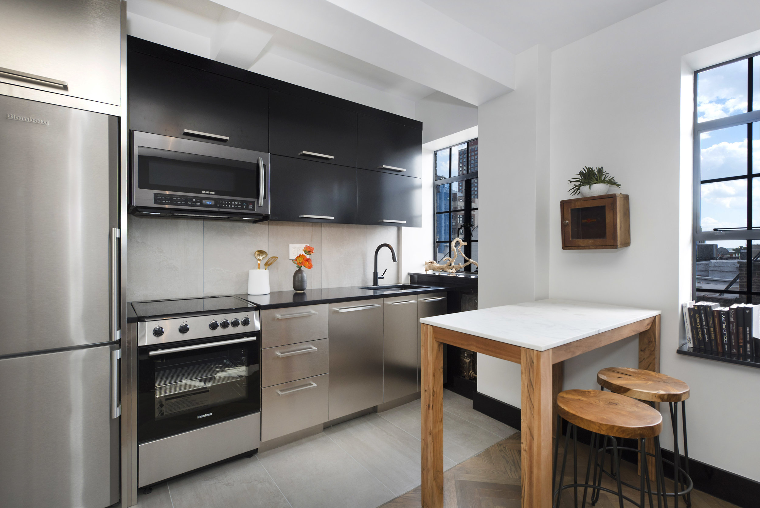 25 Monroe Place_7D_Kitchen.jpg