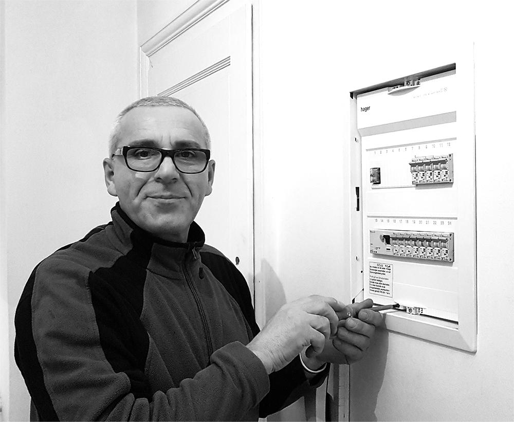 Hasani Bejtush  Als Elektriker-Helfer mit überdurchschnittlichem Fachwissen ist er eine wertvolle Stütze für unsere Monteure.